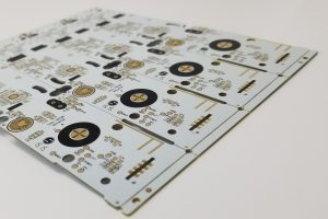 White soldermask panelized printed circuit boards with complex routing